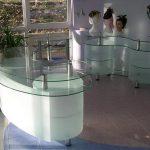 Гнутое стекло для торгового оборудования — Мир стекла и зеркал Чебоксары