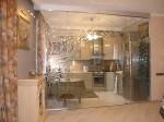 Стеклянные двери для кухни с рисунком — компания Мир стекла и зеркал