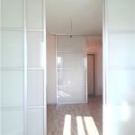 Стеклянные перегородки-двери