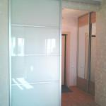 Стеклянная перегородка-дверь